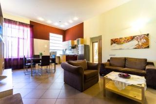светлая стильная 3-комнатная квартира в аренду в центре С-Петербург