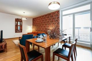 современная 4-комнатная квартира в аренду в самом центре С-Петербург