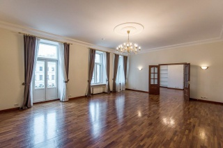 стильная современная 5-комнатная квартира в аренду С-Петербург