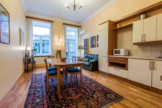 видовая стильная 4-комнатная квартира в аренду в самом центре С-Петербург