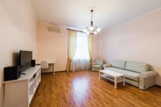 просторная 4-комнатная квартира в аренду в Адмиралтейском районе С-Петербург