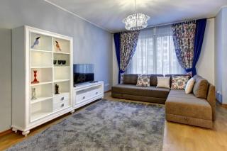 стильная 3-комнатная квартира в аренду в Адмиралтейском районе Санкт-Петербурга
