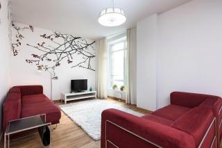 стильная 3-комнатная квартира в аренду в Петроградском районе С-Петербург