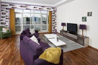 современная 3-комнатная квартира в аренду в элитном ЖК С-Петербурга