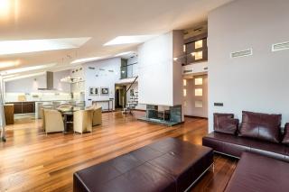 аренда 4-комнатной квартиры на Очаковской ул. 6 СПБ