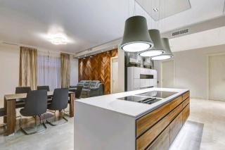 арендовать эксклюзивную 4-комнатную квартиру на Крестовский остров С-Петербург