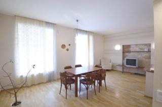 сниму современную 4-комнатную квартиру в Центральном районе С-Петербург