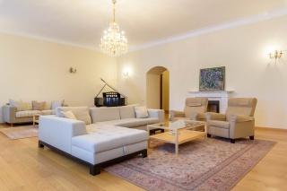 арендовать элегантную квартиру в Центральном районе С-Петербург