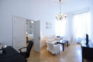 снять светлую стильную 2-комнатную квартиру в историческом центре Санкт-Петербурга
