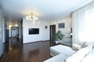 арендовать 5-комнатную квартиру в современном доме С-Петербург