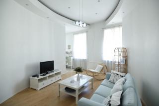 аренда 3-комнатной квартиры около Эрмитажа С-Петербург