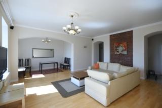 арендовать 5-комнатную квартиру в Центральном районе С-Петербурга