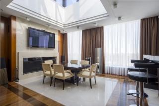 арендовать 5-комнатную квартиру в элитном доме СПБ
