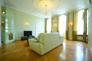 арендовать 5-комнатную квартиру в Адмиралтейском районе СПБ