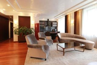 авторская 4-комнатная квартира в аренду в современном жилом комплексе Санкт-Петербург