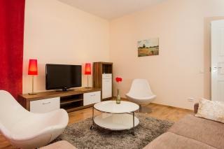 снять современную 4-комнатную квартиру в историческом центре Санкт-Петербурга