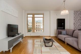 арендовать 3-комнатную квартиру на улице Графтио Санкт-Петербург