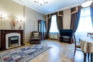 сдать 5-комнатную квартиру в элитном доме С-Петербург